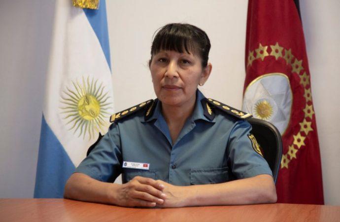 NORMA MORALES ASUME EN LA POLICIA