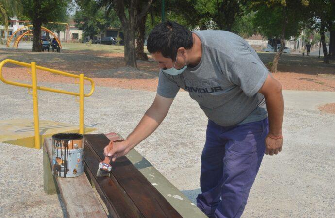 Renovación Urbana trabaja en mantenimiento en plaza Gurruchaga