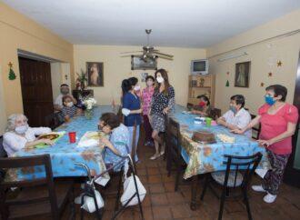 La intendenta Bettina Romero visitó el  Hogar Cristo Rey