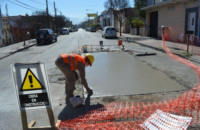 Intensos trabajos de obras en las calles de la ciudad